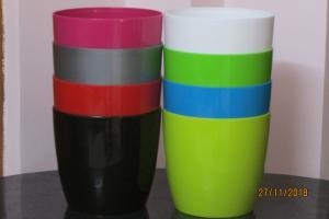 Plastic pot round Multi color 20*19 CM (8pots)