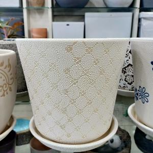 White & Diamond Design Ceramic Pot